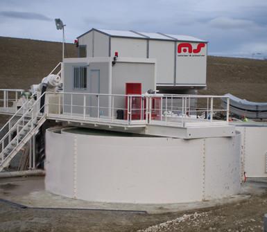 Installation pour traitement de l'eau